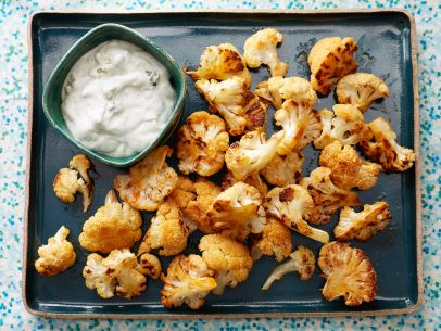 FNK_Buffalo-Cauliflower-with-Blue-Cheese-Sauce_s4x3.jpg.rend.sni12col.landscape